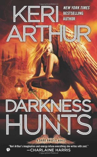 Darkness Hunts  N/A 9780451237125 Front Cover