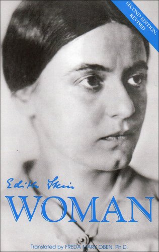 Essays of Woman 2nd 1996 9780935216592 Front Cover