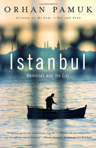 Istanbul Memories and the City  2006 9781400033881 Front Cover