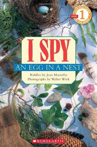 I Spy an Egg in a Nest   2011 9780545220934 Front Cover